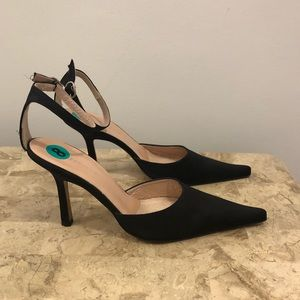 New Albert nipon heels